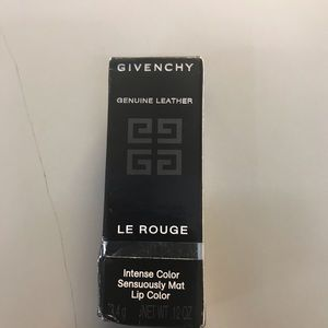 GIVENCHY Le Rouge Intense Color Sensuosly Mat